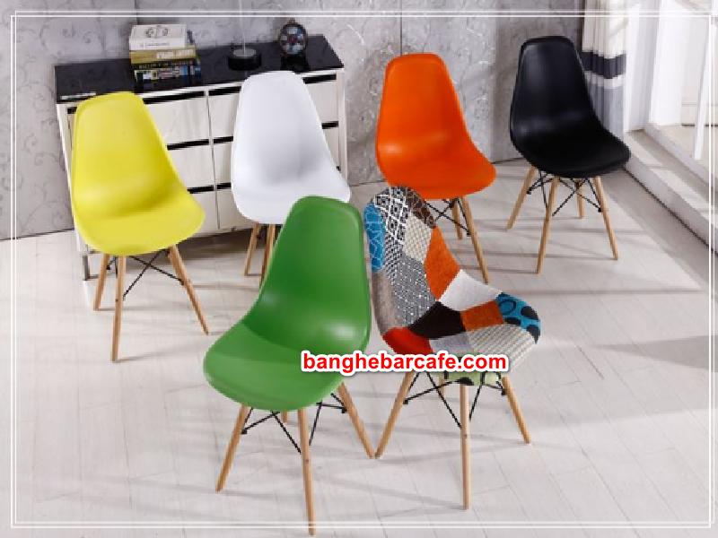 Ghế Eames nhiều màu sắc